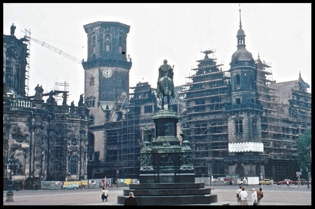 Sightseeing Dresden - City Castle 1990